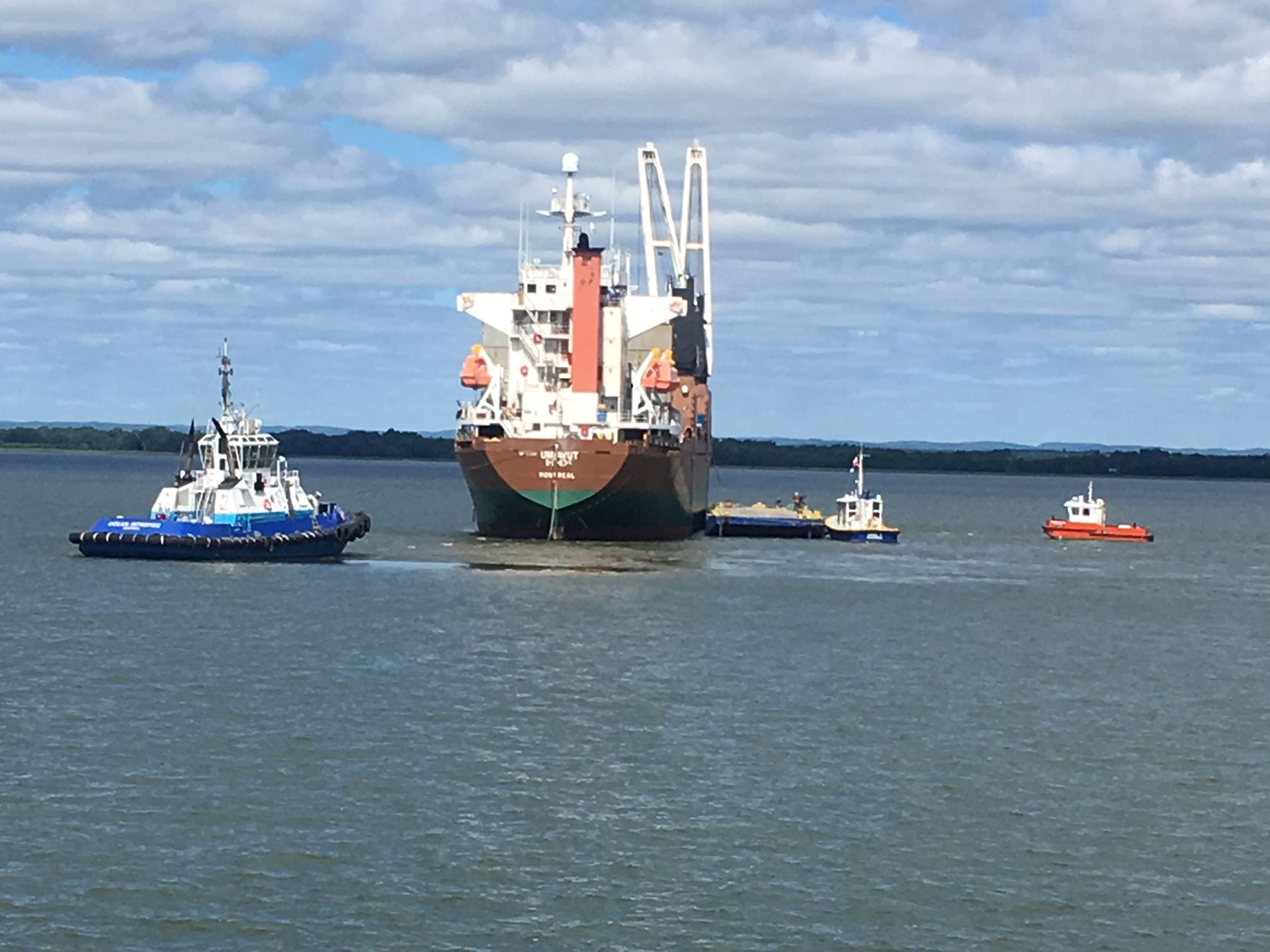 Ocean marine salvage to the rescue of the vessel Umiavut