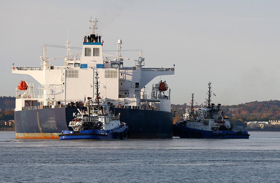 Remorquage_remorqueurs_OCEAN_HENRY_BAIN_Valero_navire_petrolier_1972_001