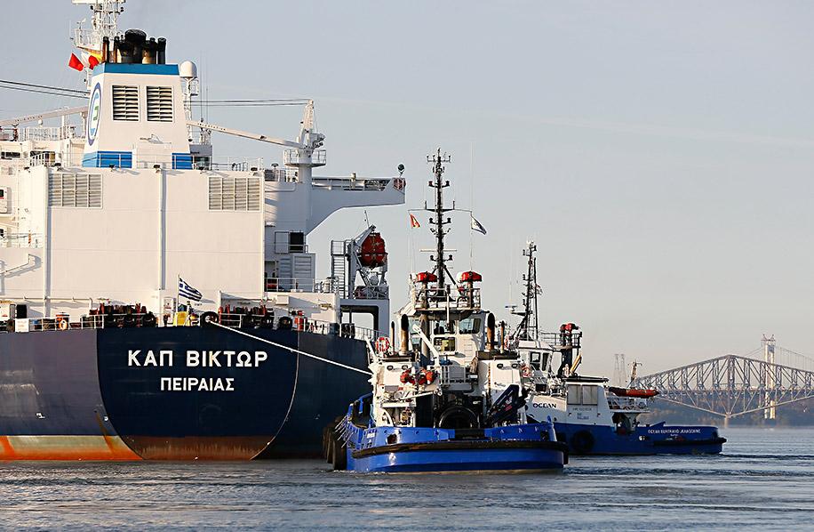 Remorquage_remorqueurs_OCEAN_HENRY_BAIN_Valero_navire_petrolier_1972_002