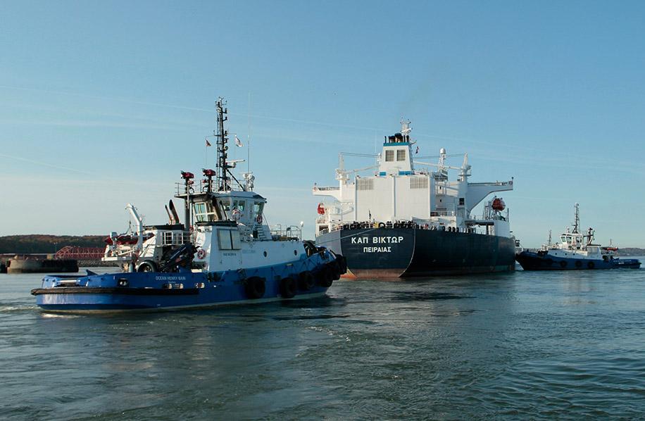 Remorquage_remorqueurs_OCEAN_HENRY_BAIN_Valero_navire_petrolier_1972_003