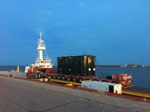 Transport_maritime_surdimensionne_camion_barge_elevatrice_2017_002