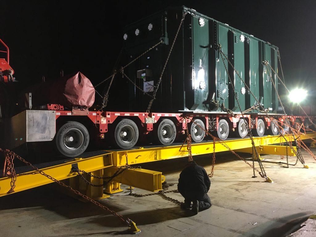 Transport_maritime_surdimensionne_camion_barge_elevatrice_2017_003