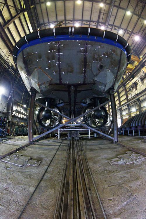 Construction_chantier_naval_remorqueur_rampe_helice_OCEAN-PIERRE-JULIEN