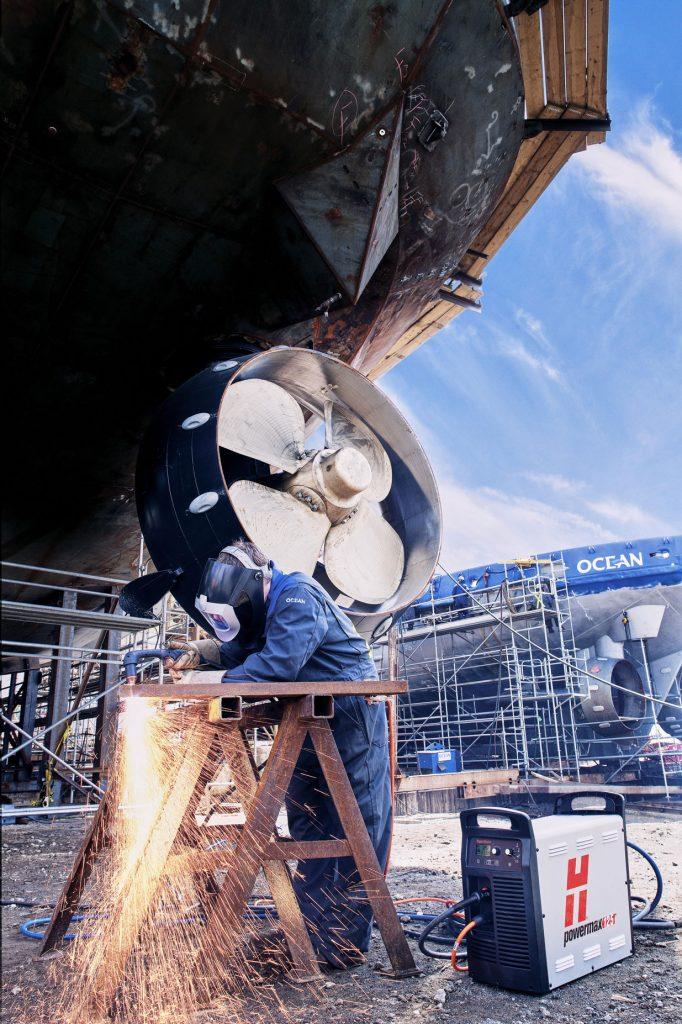 Construction_et_reparation_navale-remorqueur-soudeur-Groupe_Ocean-Isle-aux-Coudres-Chantier_naval-Helice