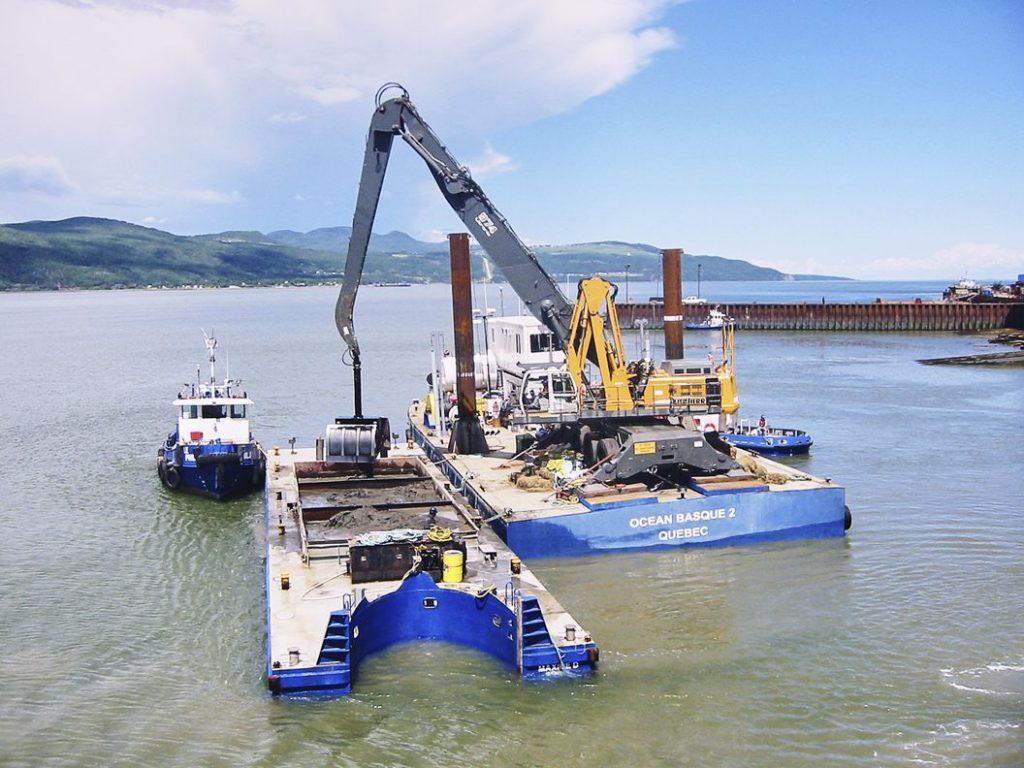 Dragage-mecanique-location_de_barges_et_bateaux_de-travail-OTN-OCEAN-BASQUE-2-QUEBEC-Groupe_Ocean-Isle-aux-Coudres-Quebec-compressor