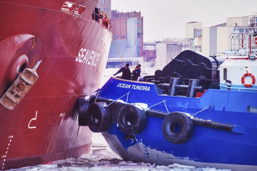 Remorquage_maritime_navire_SEAVENUS_remorqueur_OCEAN_TUNDRA_2