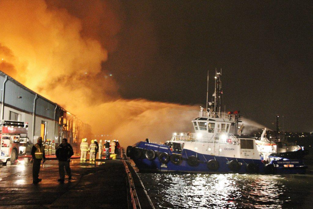 Sauvetage_Remorquage_maritimeIntervention_Incendie_OCEAN-BERTRAND-JEANSONNE_FIFI_Nuit_Quebec_002