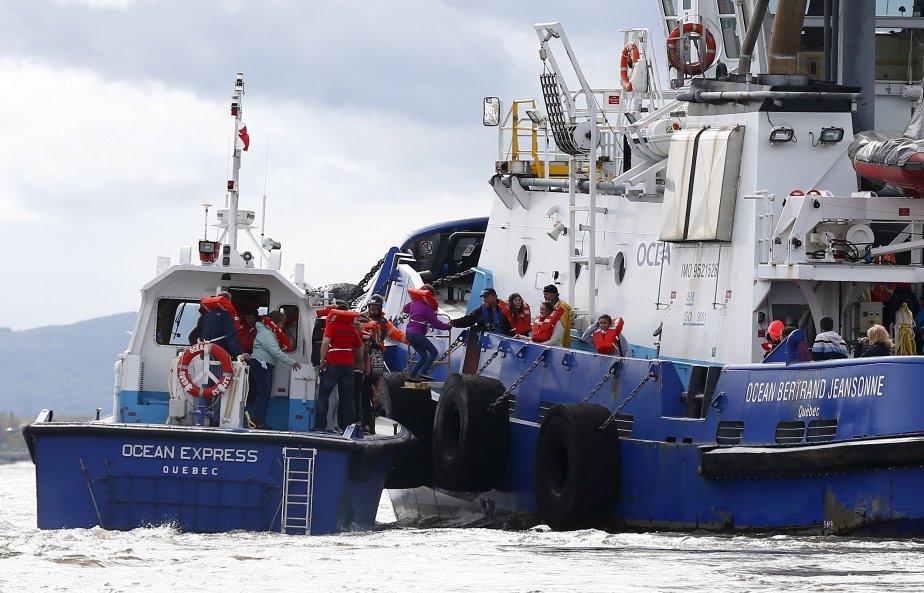 Sauvetage_Remorquage_maritime_remorqueur_OCEAN_BERTTRAND_JEANSONNE_Bateau_pilote_OCEAN_EXPRESS