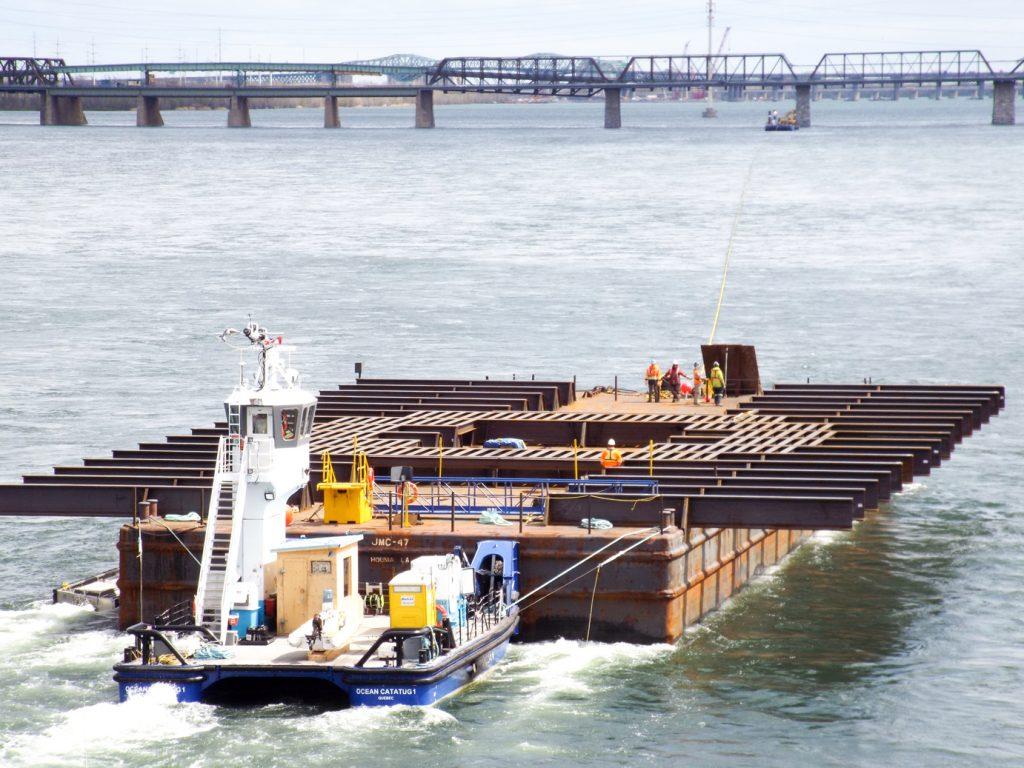 Transport_maritime_surdimensionne-OCEAN_CATATUG1-pont_Groupe_Ocean