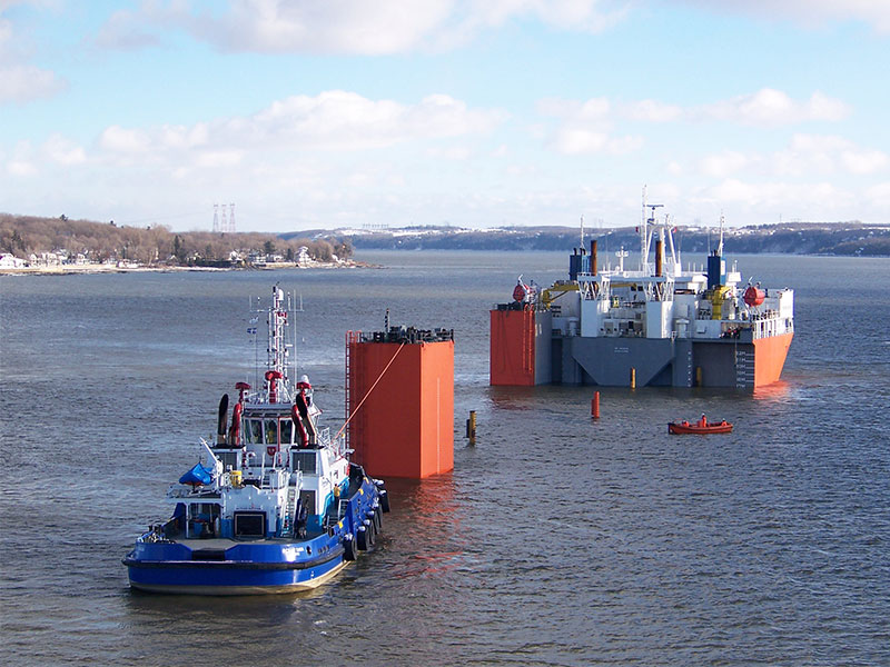 COMPLEX MARINE TOWING OPERATION ON THE ST. LAWRENCE RIVER